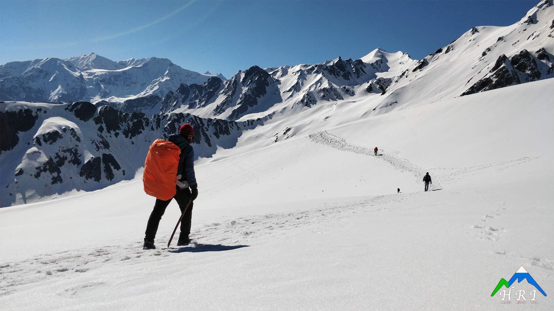 Day 5: Nagaru to Biskeri Thach, crossing Sar Pass (Trek 12kms, 7 hrs)